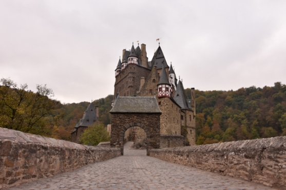 our neverending wanderlust eltz castle-5236